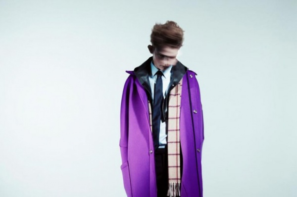 raf simons 2011 fall winter ad campaign 5 620x413 Raf Simons Fall / Winter 2011 Ad Campaign