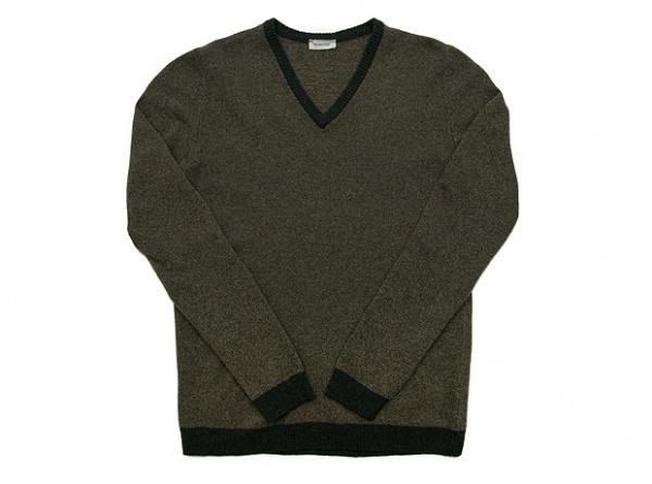 front 5735930 Melinda Gloss V Neck Sweater